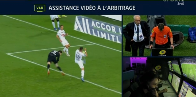 Thierry Henry on Amazon after PSG's questionable penalty award tonight vs Angers - Bóng Đá